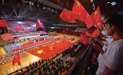 镇江举行盛大文艺演出庆祝新中国成立70周年 惠建林张叶飞李国忠等观看演出