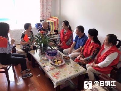 米山社区九十岁老军人激情演唱《没有共产党就没有新中国》