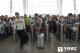 @镇江旅客:中秋国庆期间客流增多 坐火车最好提前一小时进站