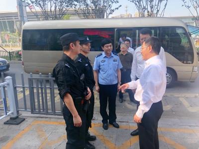 张叶飞检查国庆安保维稳暨安全生产工作