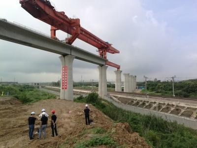京沪铁路今天区间停运55分钟  为连镇铁路架梁机过孔施工让时