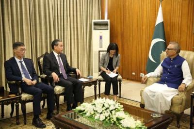 巴基斯坦总统会见王毅:将中国视为最值得信赖的铁杆朋友