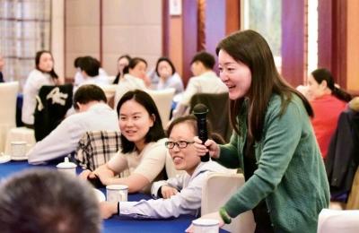 中国农业银行镇江分行为基层员工开展团体心理辅导活动