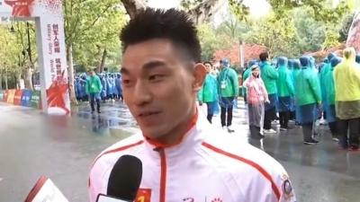 100名火炬手参与第七届世界军人运动会火炬传递