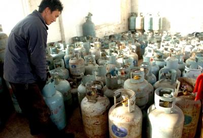 """""""瓶""""安三问——城市瓶装液化气使用隐患调查"""