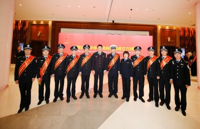 江苏隆重召开大庆安保总结表彰大会,镇江多名民警受表彰!
