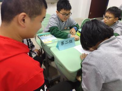 爱心团队倾情助力暖人心  自闭症少年走进校园圆梦
