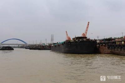 镇江谏壁船闸国庆期间货物通过量达233万吨 运输出现新变化