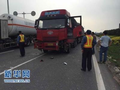 江苏禁止超限超载车辆驶入高速