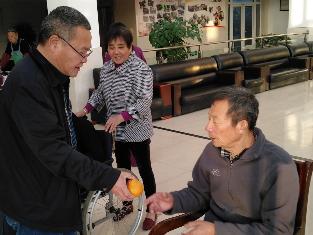 爱心让这个冬天不寒冷——建行镇江丹徒支行慰问福利院老人