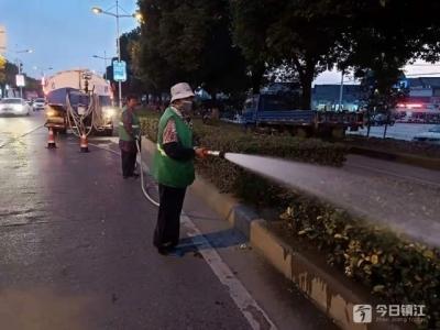 丹阳城管局园林部门全员行动打造宜居城市