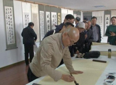 """镇江市书法家协会在丹阳开展""""乡村文艺提升""""志愿服务"""