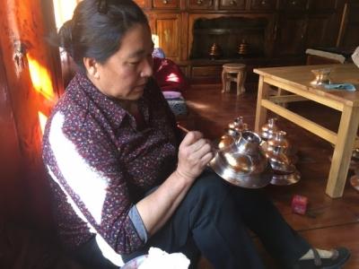 香格里拉木碗的千年传承
