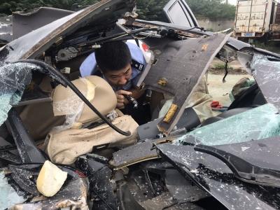 大货车撞车后肇事逃逸,交警仅用15小时就找到司机
