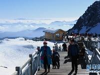 玉龙雪山景色壮美