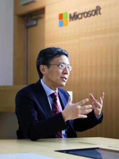 微软全球执行副总裁沈向洋:AI新突破将深度影响医疗金融等领域