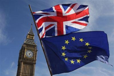 """英国下议院通过新""""脱欧""""协议"""