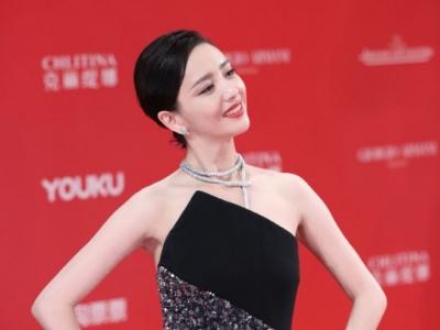 佟丽娅将任春晚主持 央视春晚正式公布主持人阵容