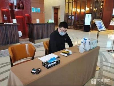 疫情防控 | 记者亲历:镇江市区主要经营场所防疫措施到位