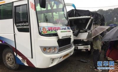 25名中国游客在尼泊尔遭遇车祸受轻伤