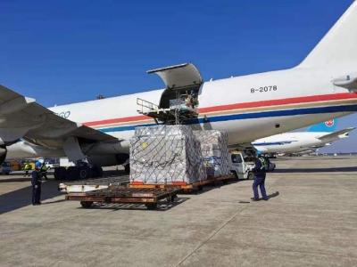 东航包机从荷兰一次性运回500立方米抗疫急需物资