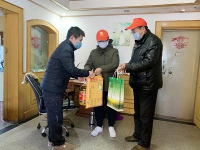 京口区75名志愿者开展点对点服务 为疫情一线医护人员解后顾之忧