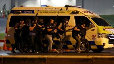 泰国枪击案致20死31伤 作案士兵劫持16名人质