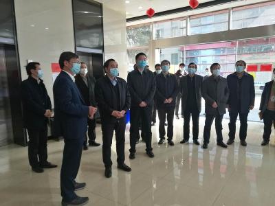 马明龙赴镇江新区检查推进工作时强调:夺取疫情防控和经济社会发展双胜利