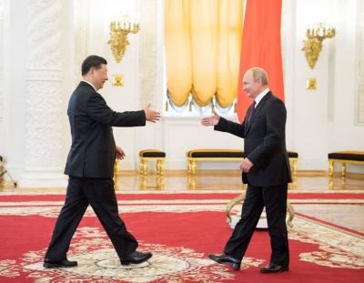 习近平同俄罗斯总统普京通电话