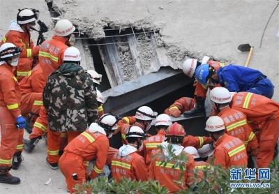 泉州酒店坍塌事故已致10死 尚有23人待搜救