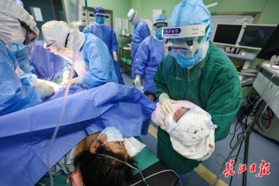 隔离病房诞生新生命,接生的23名婴儿无一感染