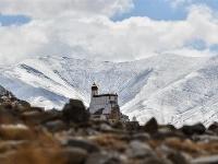 山崖上的宫殿——雍布拉康