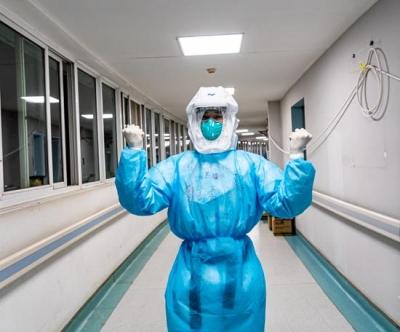 坚守ICU三个月,武汉金银潭医院最年轻的护士挑大梁