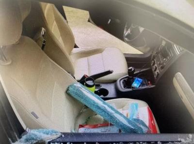"""小偷""""复工""""砸车玻璃盗窃 句容警方:拘你没商量!"""