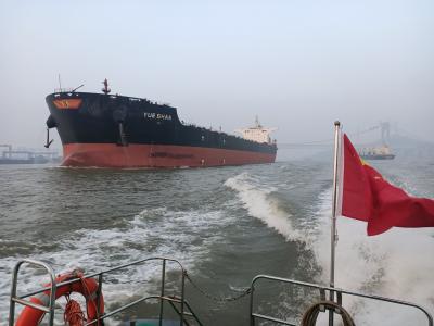 港口企业遇难题有人伸援手  海事部门全力助推港口经济发展