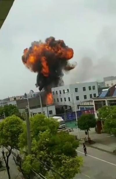 丹阳陵口镇一作坊发生爆燃事故  企业负责人已被公安机关控制