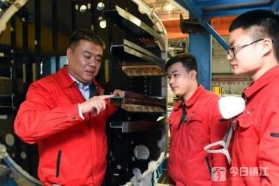 全国人大代表王巍:以新兴产业助推镇江经济发展