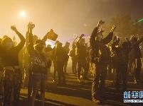 美国明尼苏达州部分城市实施宵禁