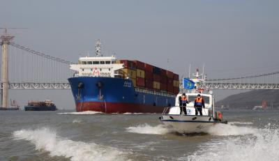 """""""双重考验""""下港口吞吐量逆行上涨  我市多举措助推港口经济发展"""
