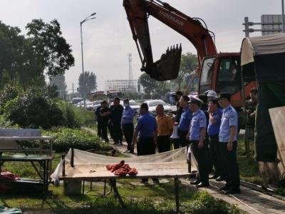 丹徒交警大队与多部门联动执法  对新312国道(丹徒段)交通安全隐患进行整治