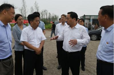 马明龙率领市相关部门同志检查长江禁捕退捕工作