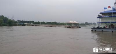 长江镇江段连续三天超过警戒水位 镇江水上交通安全监管迎来洪峰大汛挑战
