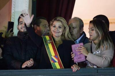 玻利维亚临时总统阿涅斯新冠病毒检测呈阳性