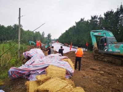 镇江江心州高潮位达8.31米   堤岸仅两天就完成了重新加固