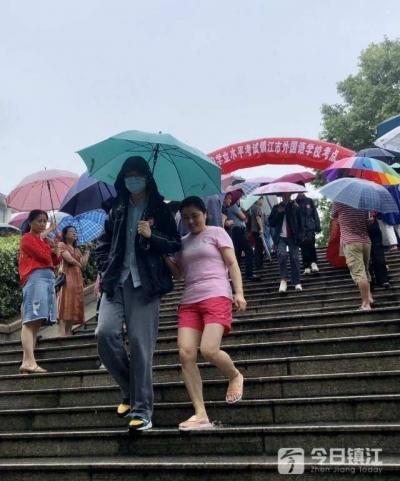镇江两万多名考生迎来中考 7月22日左右公布成绩