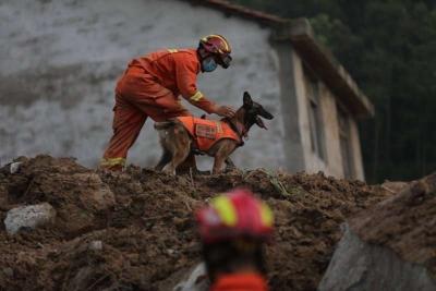 湖北黄梅山体滑坡被埋9人已全部搜救出 仅1人生还