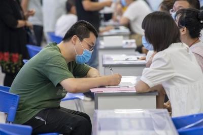 """上半年镇江城镇新增就业2.7万人  稳就业工作呈现""""两快、两稳、一提升"""""""