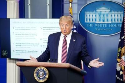 白宫推动校园重启 美媒:盲目走到瀑布边缘还在全速前进