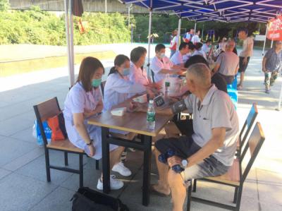 镇江市第四人民医院携手谏壁街道月湖社区大型义诊活动