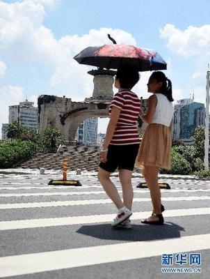 镇江发布高温黄色预警信号 今明两天最高气温将达35℃以上